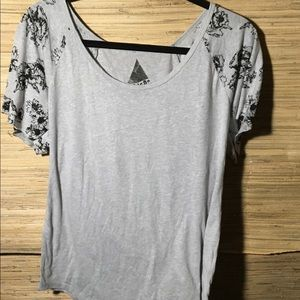 BRAND New never worn VOLCOM shirt
